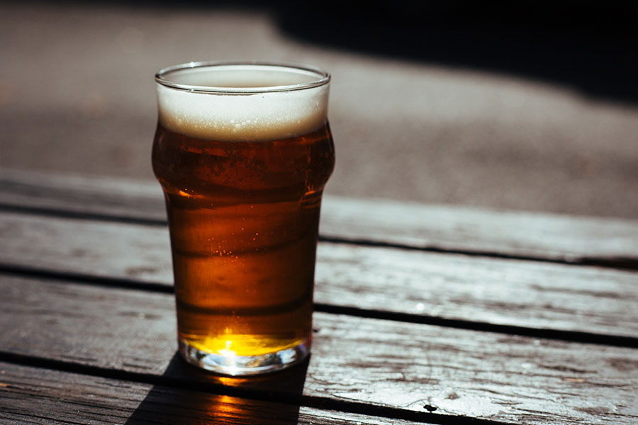 Draft Beer vs. Draught Beer; What's the Difference? - RSI DFW